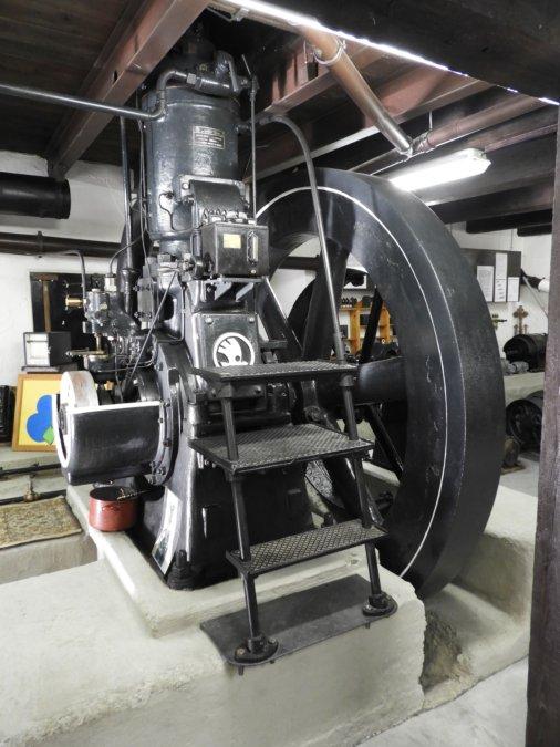 dvoutaktní nafrový motor z roku 1927, jediný zachovaný na světě