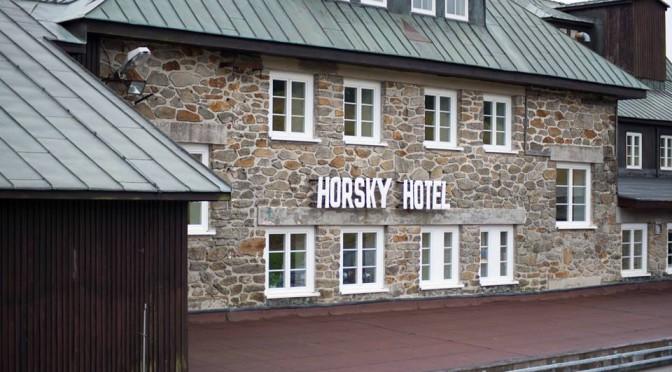 Reportáž o pirátské kontrole Horské hotelu